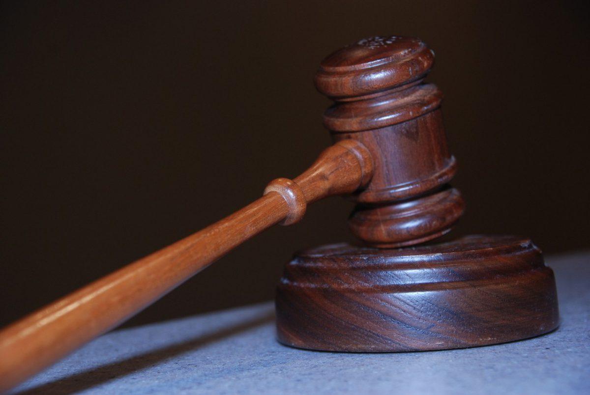 Adwokat – kiedy trzeba się do niego zwrócić?