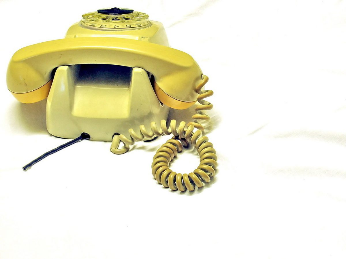 W domach coraz rzadziej są telefony stacjonarne
